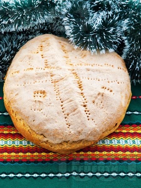 Содена питка от брашно, вода и оцет за Бъдни вечер с паричка (без кисело мляко и без сирене) - снимка на рецептата